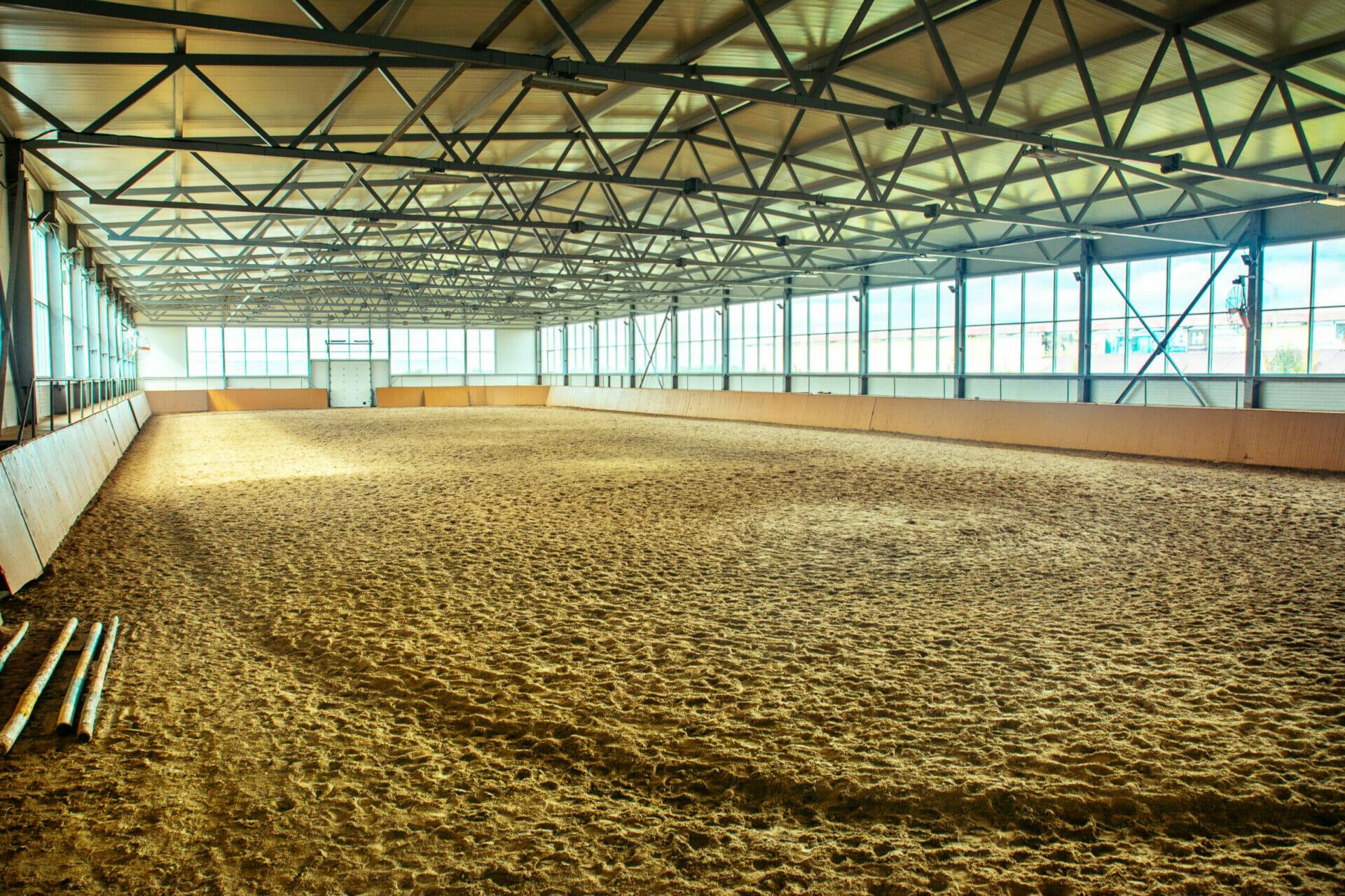 Metal Frame Clear Span Enclosed Horse Arena, Multi-Discipline