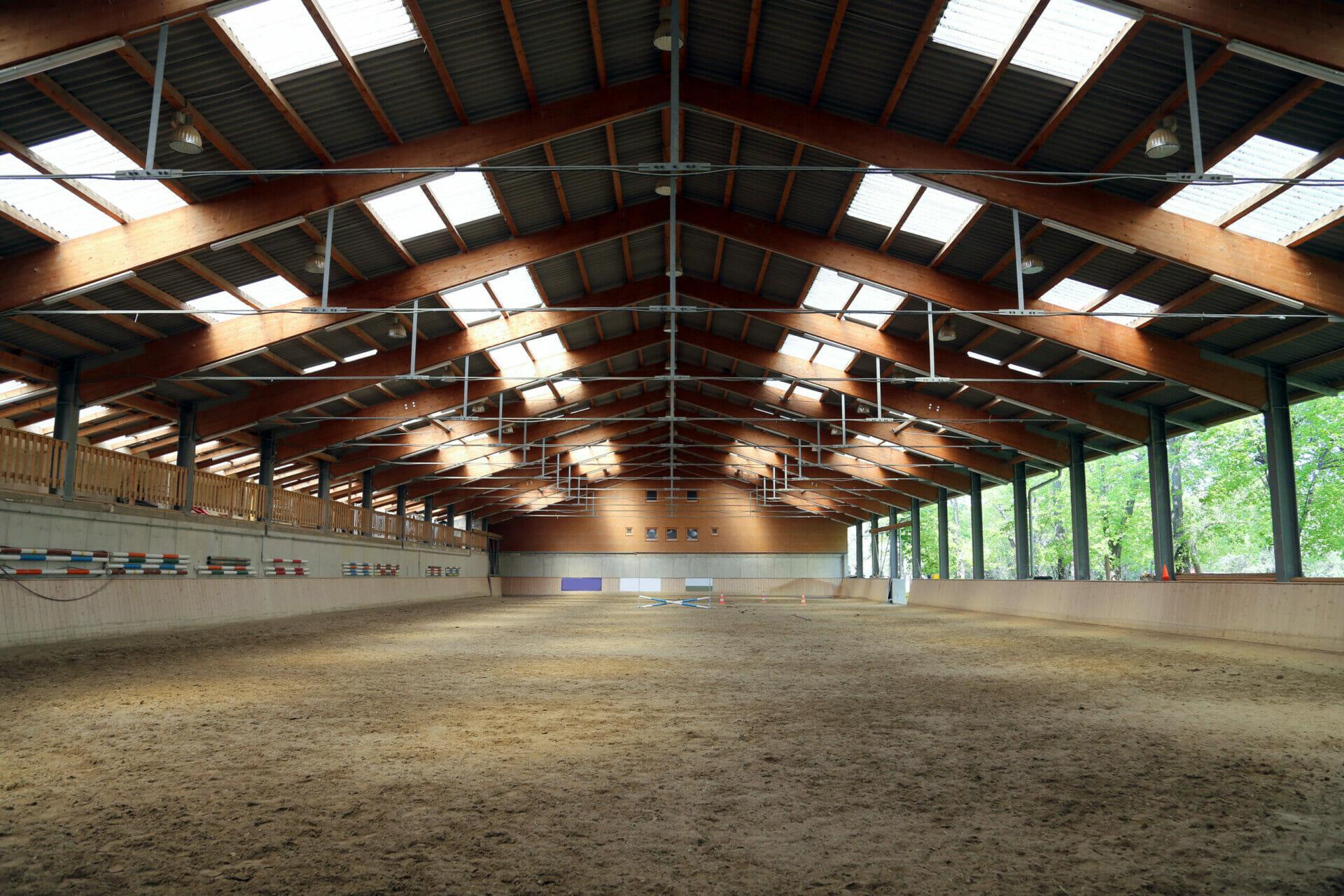 Large Pre-Engineered Metal Horse Arena Interior With Steel Beams