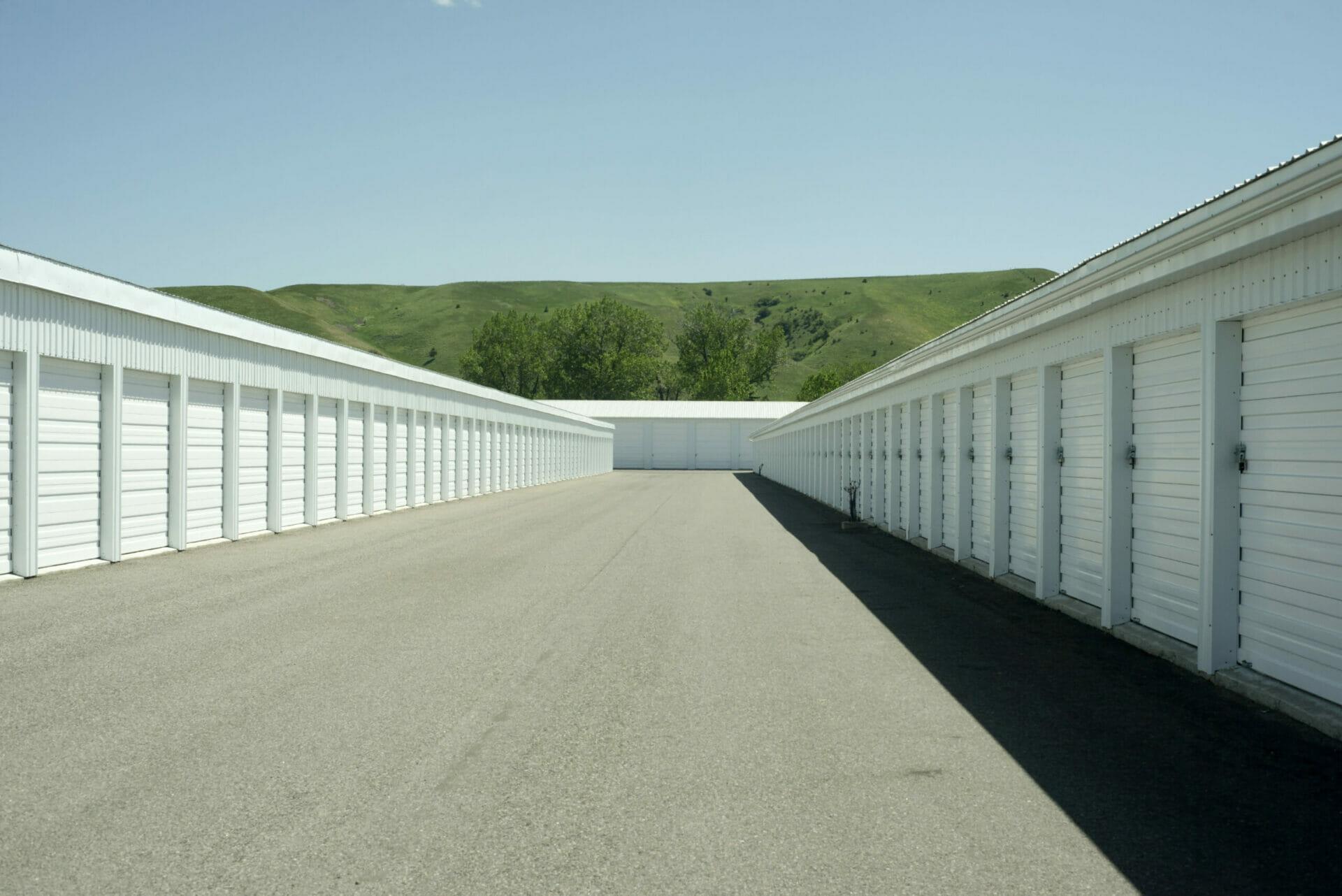 Rows Of Custom Steel Mini Storage Buildings With Roll Up Doors